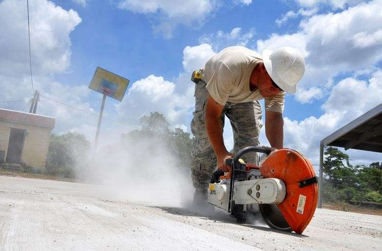 The process of concrete cutting